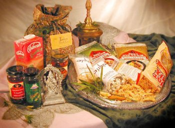 Ajika Indian Food Gift Basket in a Bag – Indian Dinner for Four – For the International Home Chef