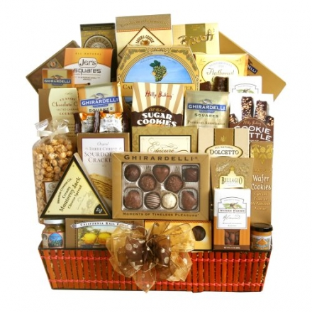 California Delicious Sumptuous Gourmet Gift Basket