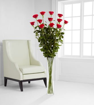 Ultimate Rose Bouquet – 12 Stems 5 Foot Roses