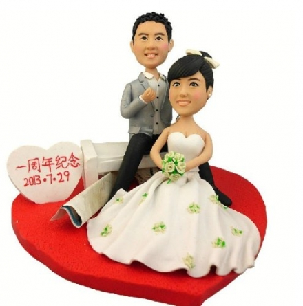 Model 12 Fully Customized Bobble Head Clay Figurines Based on Customers' Photos Using As Wedding Cak