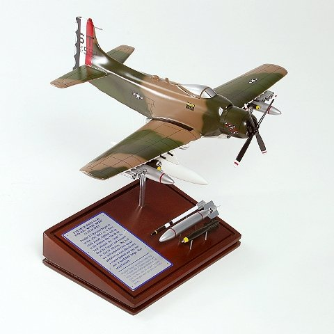 Mastercraft Collection Planes and Weapons Series Douglass A-1H SKYRAIDER USAF US Air Force Model Sca